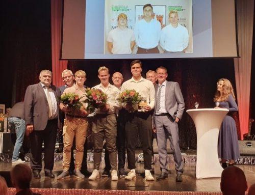 Auszeichnung für Verdienste im Ehrenamt an CHC02-Nachwuchstrainer